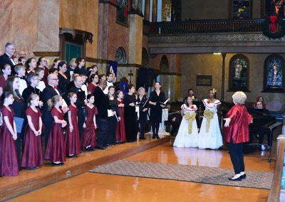 """Noche de Pas"" (""Silent Night""), Fiesta de Las Americas. Buffalo Niagara Choirs with Amor & Heritage Dance Company and audience, Doreen Rao, cond. First Presbyterian Church, Buffalo, December 2015."